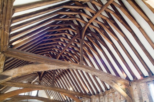 A ceiling hall of wooden beams